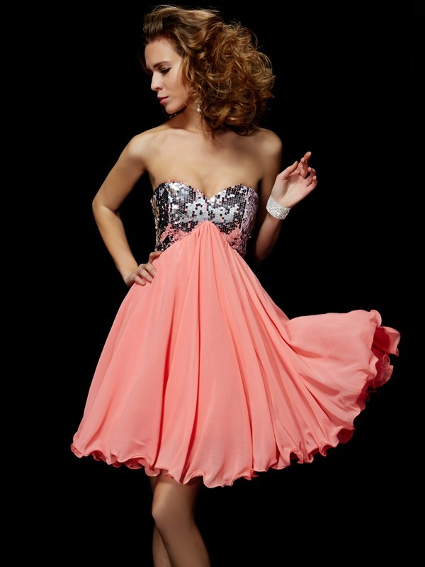 A-Line/Princess Sweetheart Beading Homecoming Dress with Chiffon