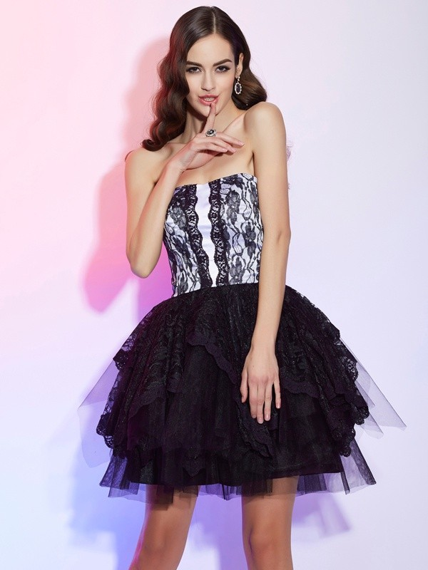 A-Line/Princess Sweetheart Sleeveless Lace Short Lace Homecoming Dresses