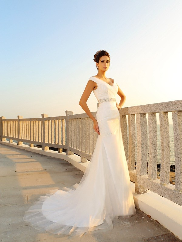 Sheath/Column V-neck Pleats Sleeveless Long Net Beach Wedding Dresses