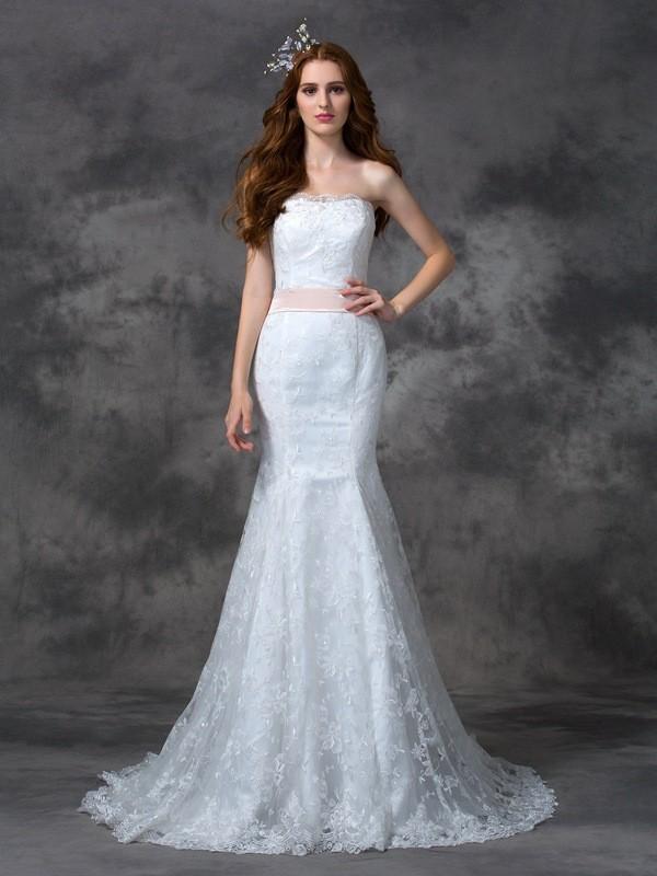 Trumpet/Mermaid Strapless Sash/Ribbon/Belt Lace Wedding Dress