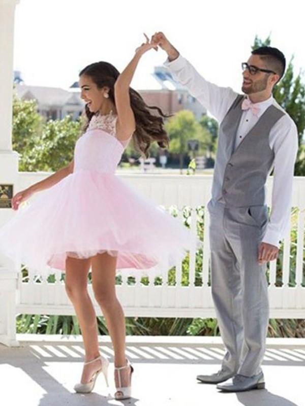 A-Line/Princess Bateau Applique Tulle Short/Mini Dress