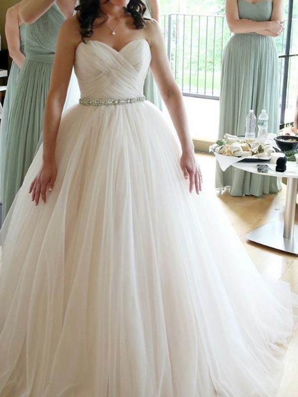 Ball Gown Sweetheart Sleeveless Floor-Length Beading Wedding Dresses with Tulle