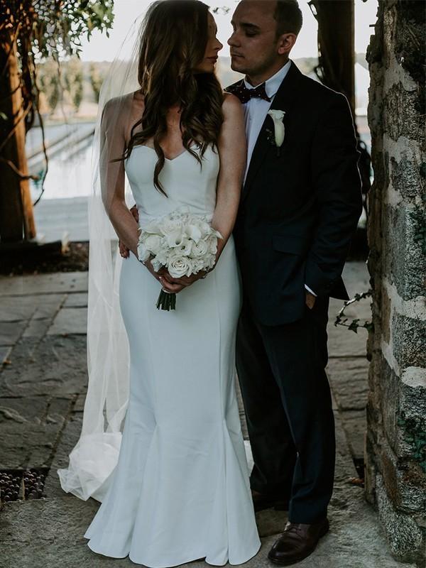 Sheath/Column Sweetheart Sweep/Brush Train Sleeveless Ruffles Wedding Dresses with Satin