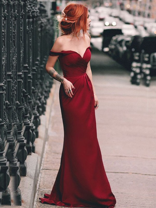 Sheath/Column Off-the-Shoulder Sweep/Brush Train Sleeveless Ruched Dresses with Elastic Woven Satin