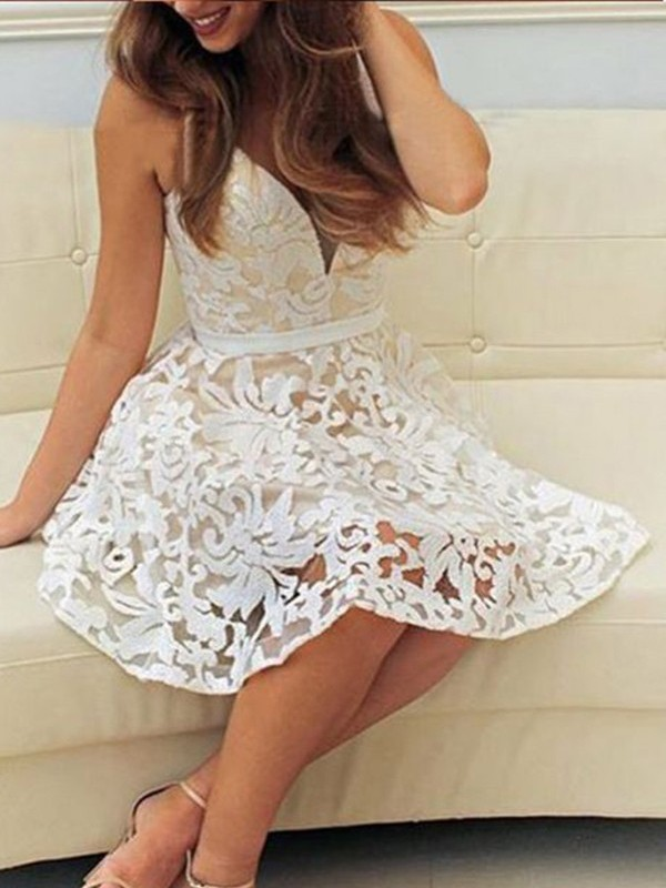 A-Line/Princess V-neck Short/Mini Dress with Lace