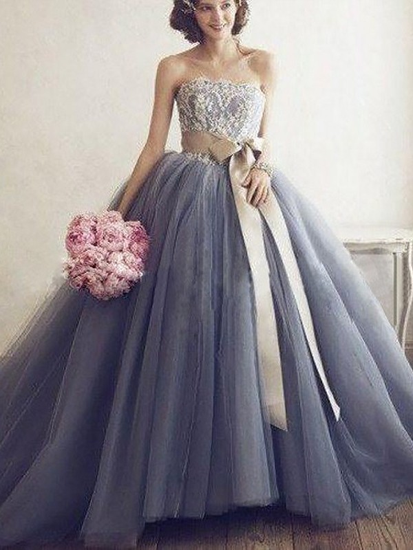 Ball Gown Sweetheart Sleeveless Applique Tulle Sweep/Brush Train Dresses