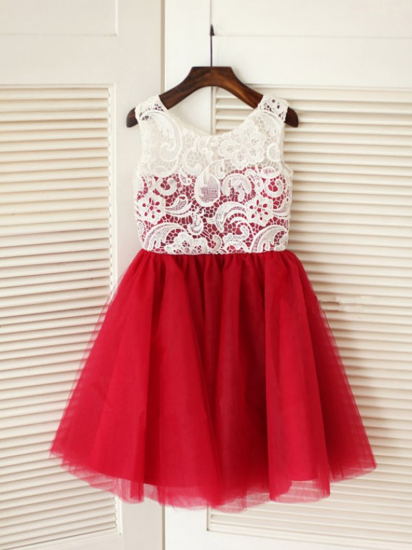 A-line/Princess Sleeveless Scoop Lace Knee-Length Tulle Dresses