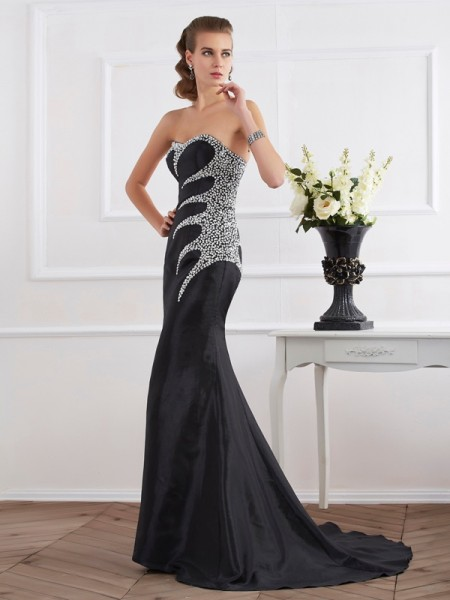 Trumpet/Mermaid Strapless Beading Dress with Taffeta