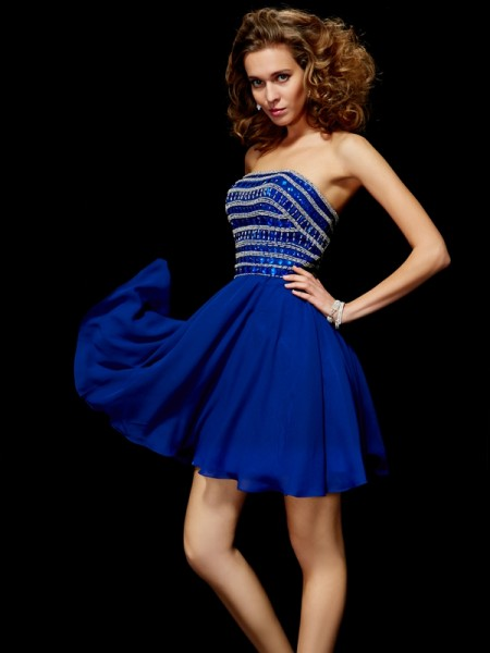 A-Line/Princess Strapless Short Chiffon Homecoming Dress