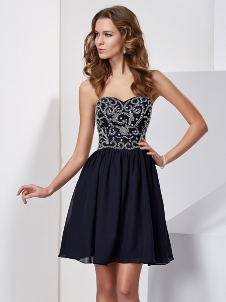 A-Line/Princess Sweetheart Beading Chiffon Short Homecoming Dress