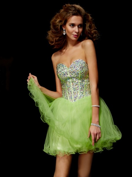 A-Line/Princess Sweetheart Sequin Beading Short Elastic Woven Satin Homecoming Dress