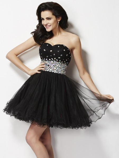 A-Line/Princess Sweetheart Beading Sequin Short Elastic Woven Satin Homecoming Dress