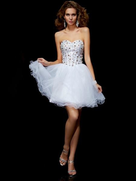 Sheath/Column Sweetheart Crystal Short Elastic Woven Satin Homecoming Dress