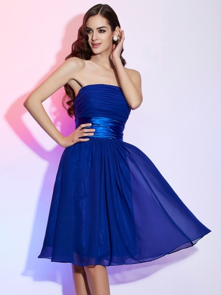 A-Line/Princess Strapless Bowknot Short Chiffon Homecoming Dress