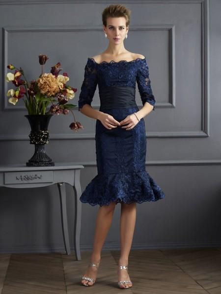 Sheath/Column Off the Shoulder Short Taffeta Mother of the Bride Dress