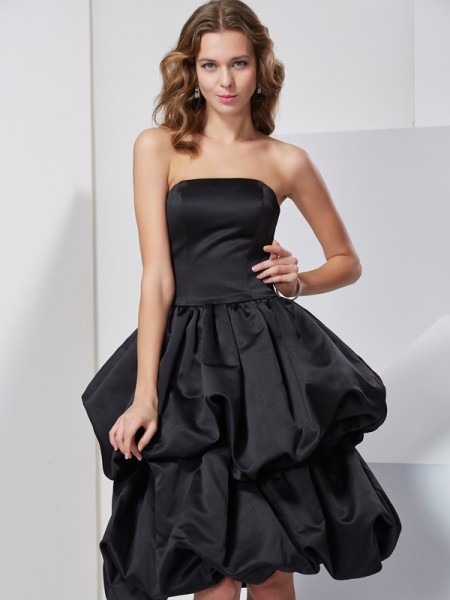 A-Line/Princess Strapless Short Satin Bridesmaid Dress