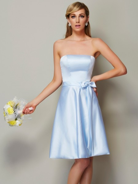 A-Line/Princess Strapless Bowknot Short Satin Bridesmaid Dress