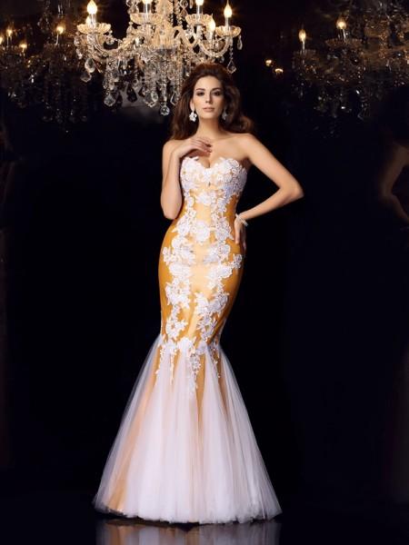 Trumpet/Mermaid Sweetheart Applique Long Taffeta Dress