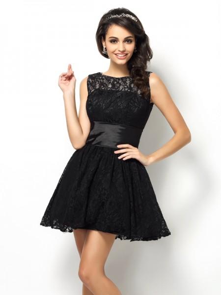 A-Line/Princess Bateau Lace Short Lace Bridesmaid Dress