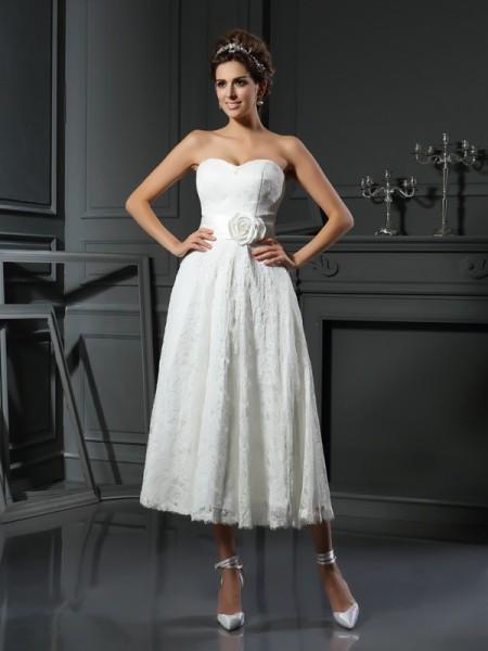 A-Line/Princess Sweetheart Lace Short Lace Wedding Dress