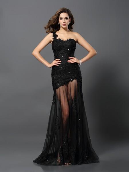 Sheath/Column One-Shoulder Applique Long Lace Dress