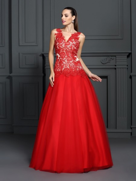 Ball Gown V-neck Lace Long Lace Quinceanera Dress