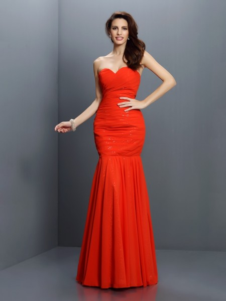 Trumpet/Mermaid Sweetheart Pleats Bridesmaid Dress with Long Chiffon