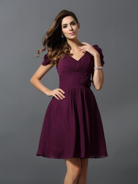 A-Line/Princess V-neck Short Sleeves Short Chiffon Bridesmaid Dress