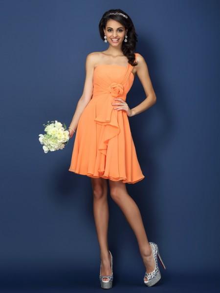 A-Line/Princess Strapless Short Chiffon Bridesmaid Dress