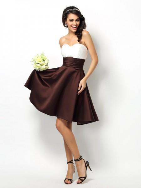 A-Line/Princess Sweetheart Pleats Short Satin Bridesmaid Dress