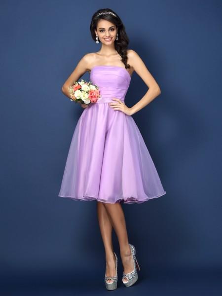 A-Line/Princess Strapless Pleats Short Satin Bridesmaid Dress