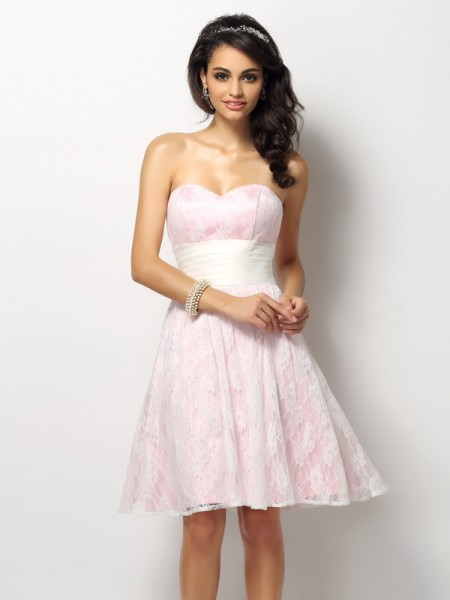 A-Line/Princess Sweetheart Lace Short Satin Bridesmaid Dress