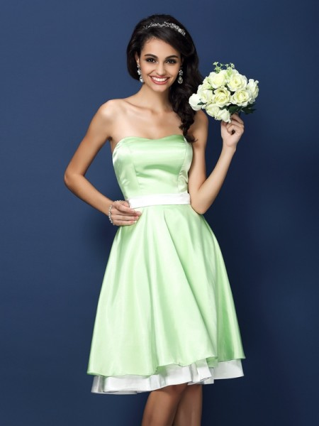 A-Line/Princess Strapless Short Elastic Woven Satin Bridesmaid Dress