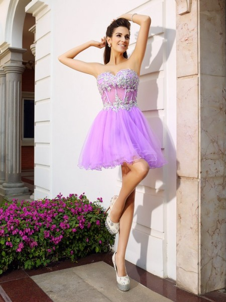 A-Line/Princess Sweetheart Beading Applique Short Organza Cocktail Dress