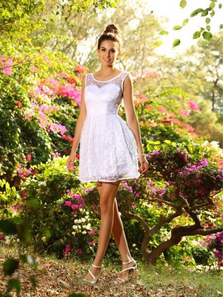 A-Line/Princess Bateau Short Lace Bridesmaid Dress