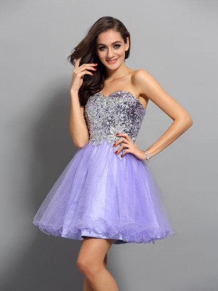 A-Line/Princess Sweetheart Beading Applique Short Net Cocktail Dress