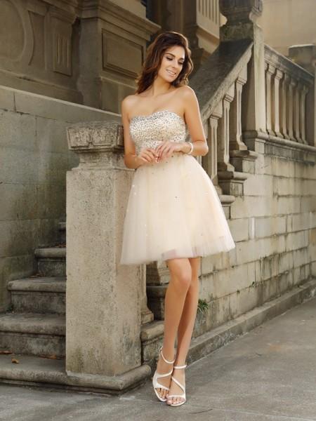 A-Line/Princess Strapless Beading Short Satin Cocktail Dress