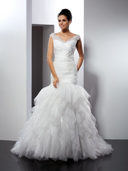 Trumpet/Mermaid V-neck Applique Long Tulle Wedding Dress