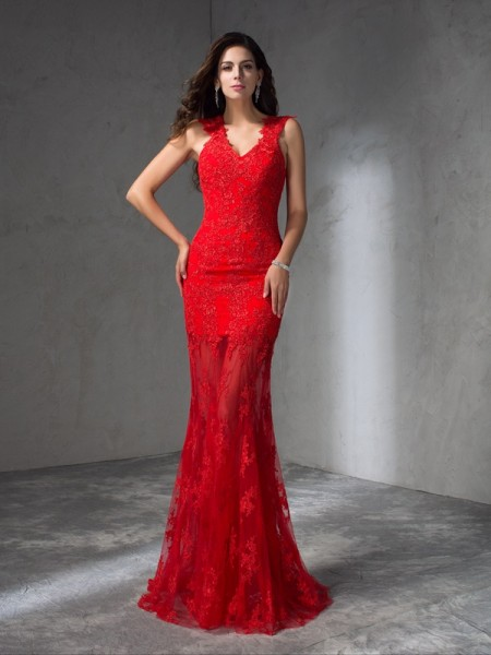 Trumpet/Mermaid V-neck Applique Satin Dress