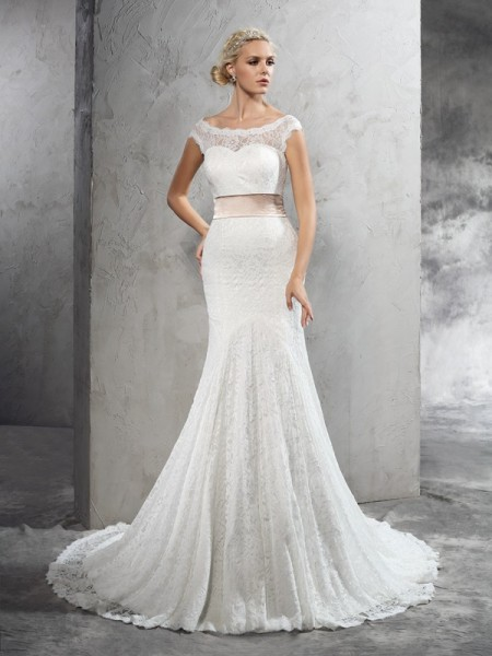 Sheath/Column Sheer Neck Sash/Ribbon/Belt Lace Wedding Dress