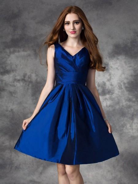 A-line/Princess V-neck Ruched Short Taffeta Bridesmaid Dress