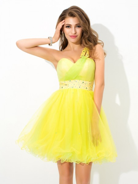 A-Line/Princess One-Shoulder Beading Short Net Cocktail Dress