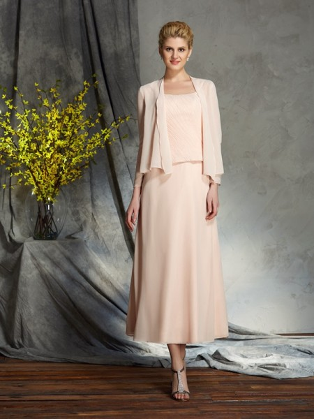 A-Line/Princess Straps Applique Short Chiffon Mother of the Bride Dress