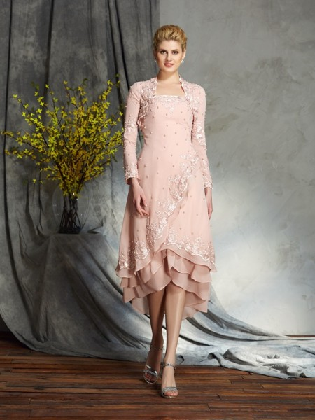 A-Line/Princess Strapless Applique Short Chiffon Mother of the Bride Dress