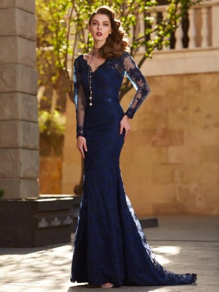 Trumpet/Mermaid V-neck Long Sleeves Applique Sweep/Brush Train Lace Dress