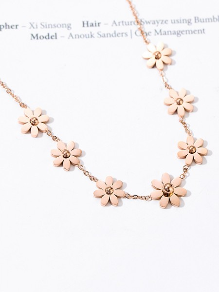 Beautiful Titanium With Flowers Necklaces For Women
