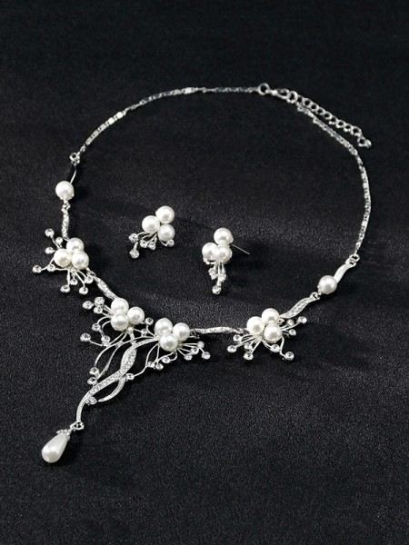 Attractive Alloy With Rhinestone Hot Sale Jewelry Set