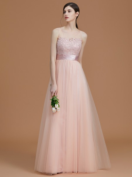 A-Line/Princess Bateau Floor-Length Tulle Applique Bridesmaid Dresses