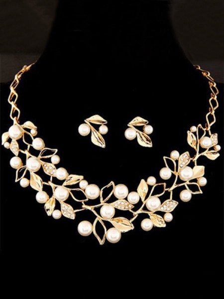 Attractive Alloy With Pearl Jewelry