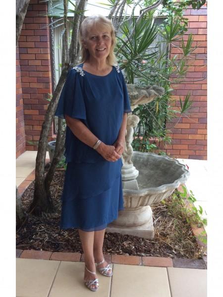 A-Line/Princess Scoop Tea-Length Chiffon Mother Of The Bride Dresses